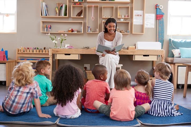 Mikor milyen mesét olvassunk a gyermeknek?