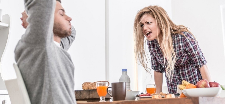 Milyen tünetei vannak a borderline (határeseti vagy érzelmileg labilis) személyiségzavarnak?