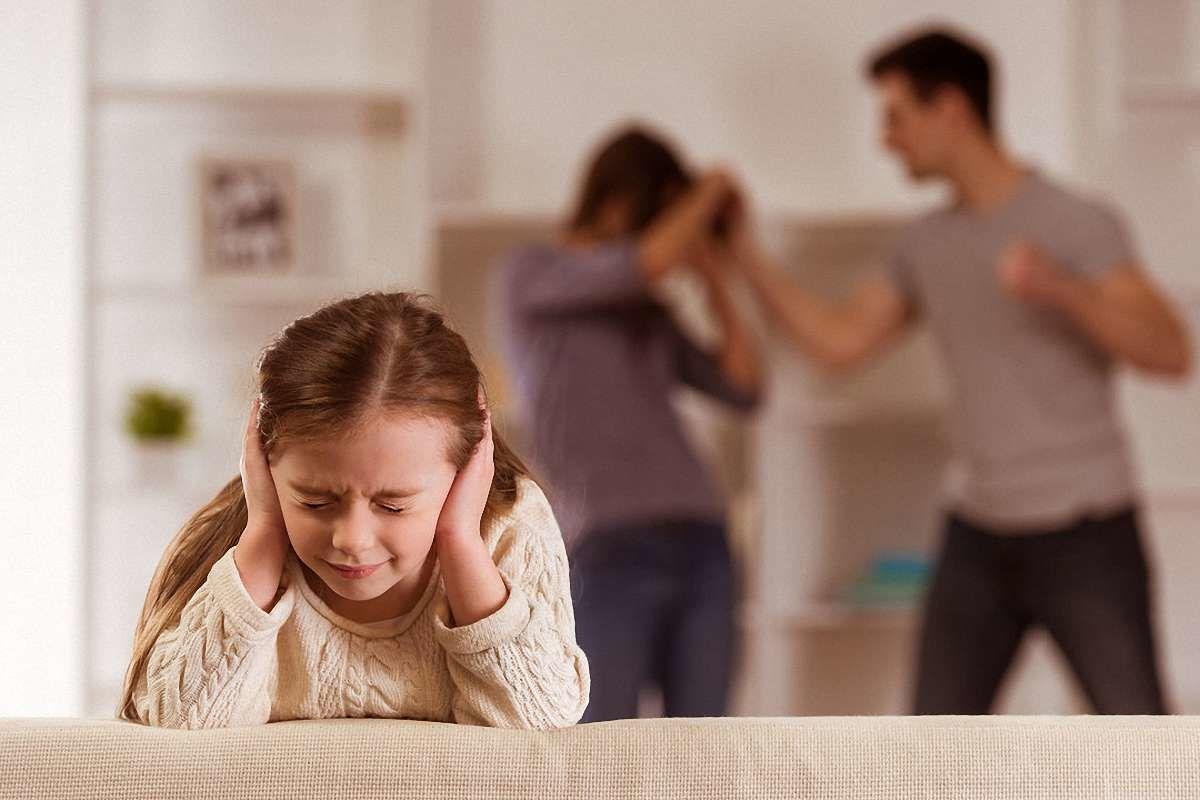 A trauma és a bántalmazás tünetei gyermekeknél