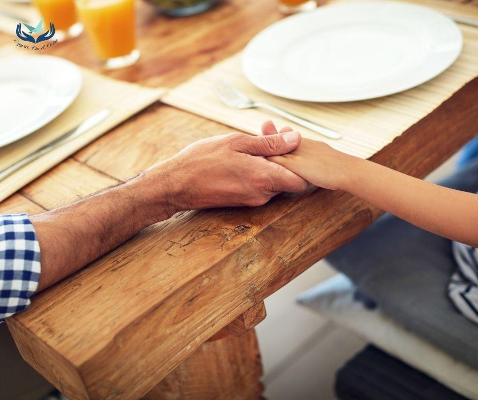 Vallás a családban – hogyan kezeljük, ha nem egységes a szemlélet?