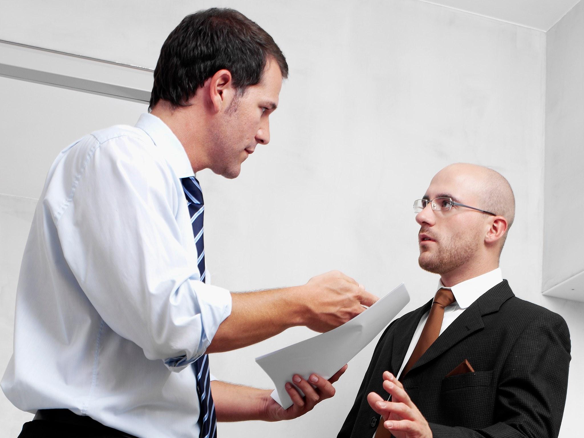 munkahelyi bánásmód, kommunikáció