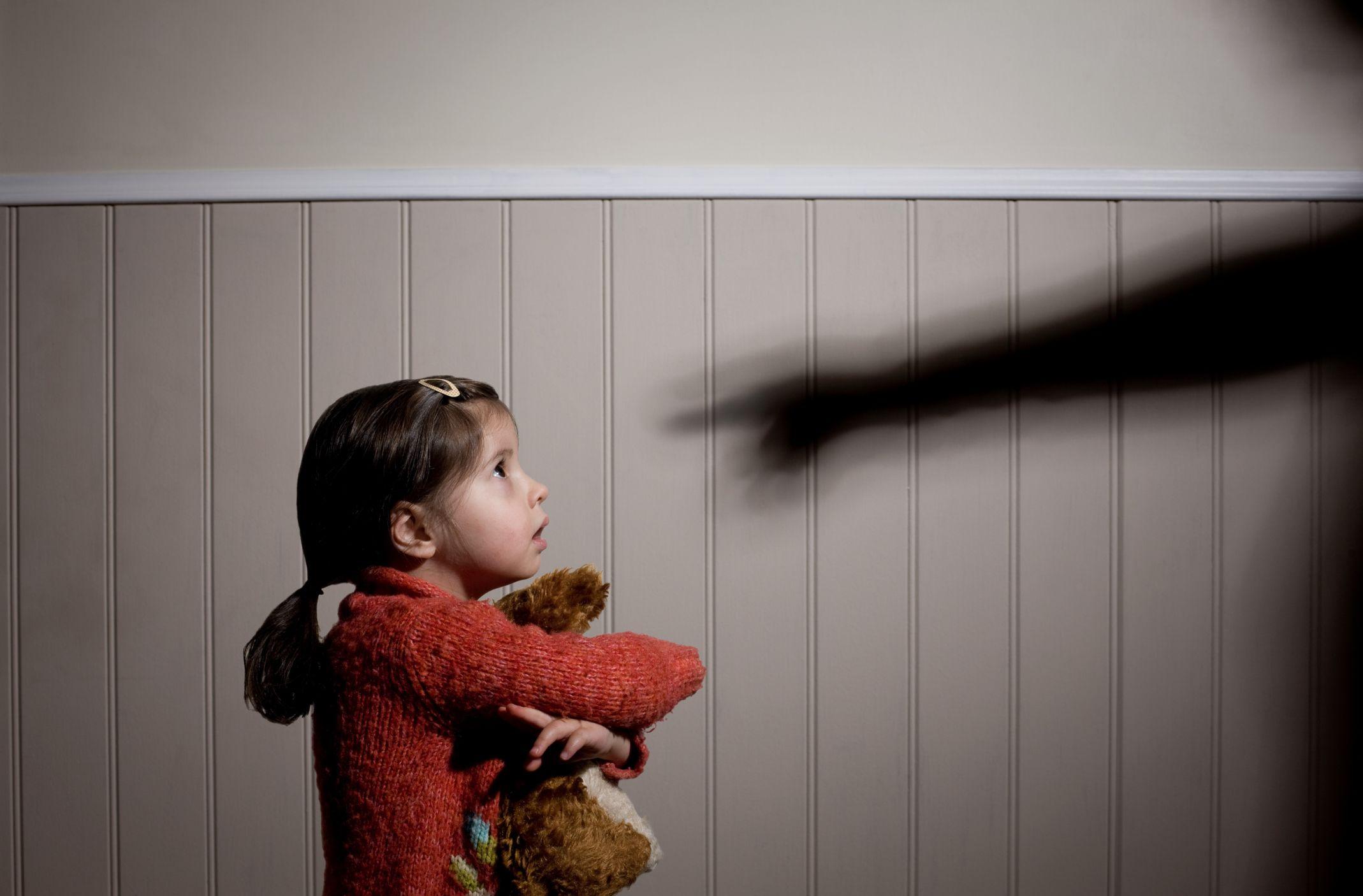 A gyermekbántalmazás idegrendszeri hatásai