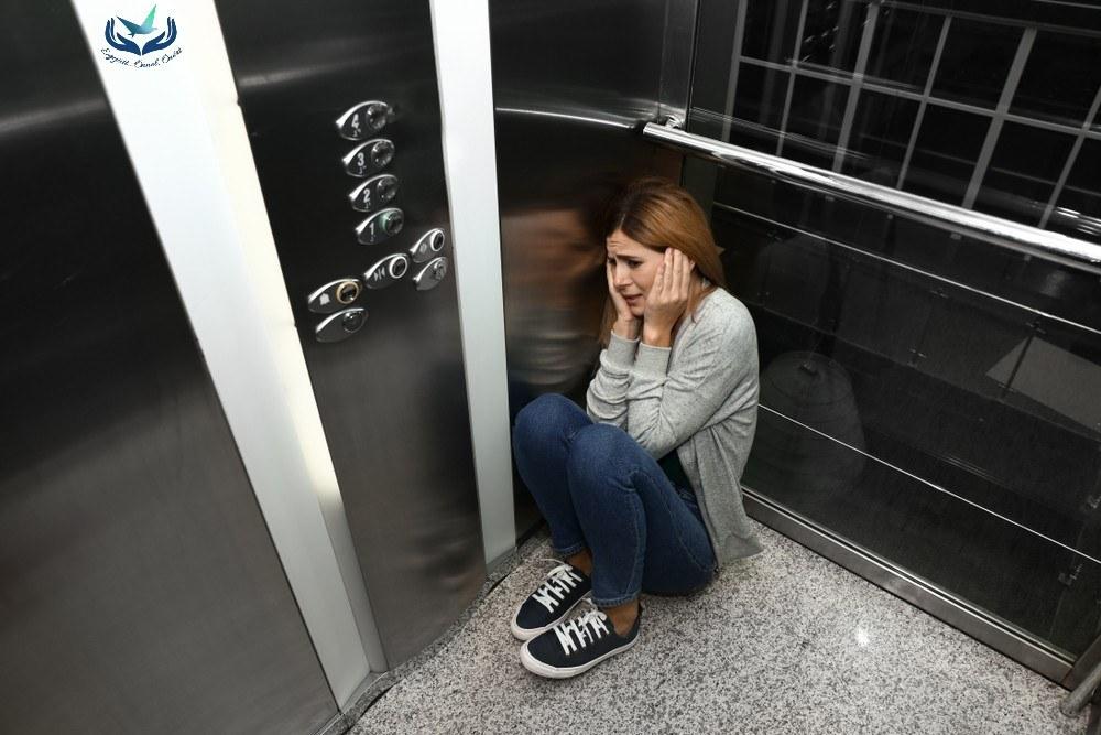 Pánikbetegségre gyanakszik? Pszichiáterhez vagy pszichológushoz forduljon?