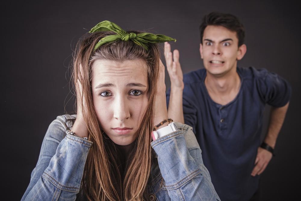 Az erőszak rejtett formái a párkapcsolatban