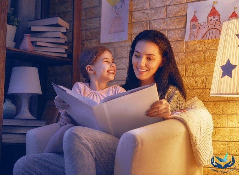 Mikor mit meséljek a gyereknek? Mi a különbség az olvasott és a látott mese közt?