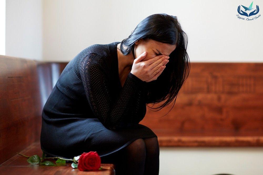 Gyász… avagy mi zajlik bennünk a veszteségélmény hatására?