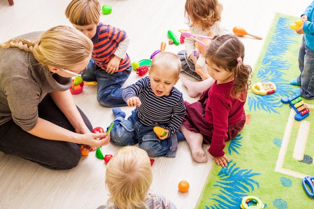 Amit a gyermek közösségbe kerüléséről tudni érdemes